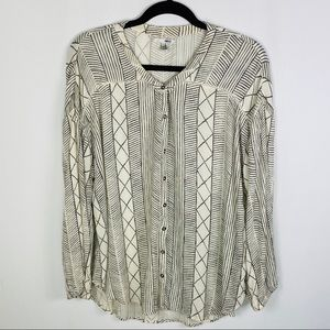 Amuse Society Spellbound Woven Collarless Blouse